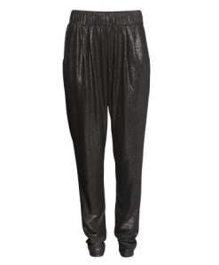Making room in my closet for these glittery track pants ASAP. Perfectly paired with a turtleneck and party ready pumps. H&M Loose Fit Pants $14.95