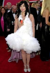 2_bjorks-swan-dress